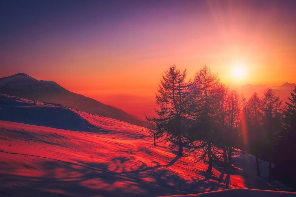 2018-MOUNTAIN-RED-SUNSET